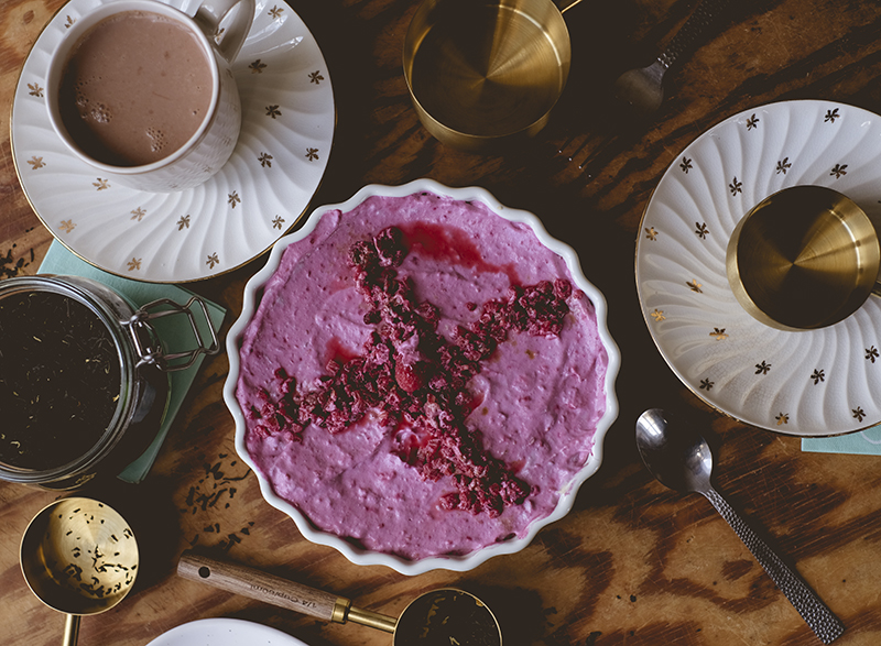 Rawfood vegan raspberry cheesecake, Swedish summer fika, food photography with Fujifilm Xt4, www.Fenne.be