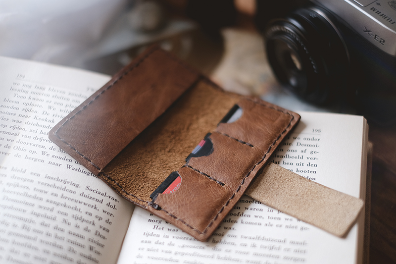 Handmade leather memory card case, www.Fenne.be