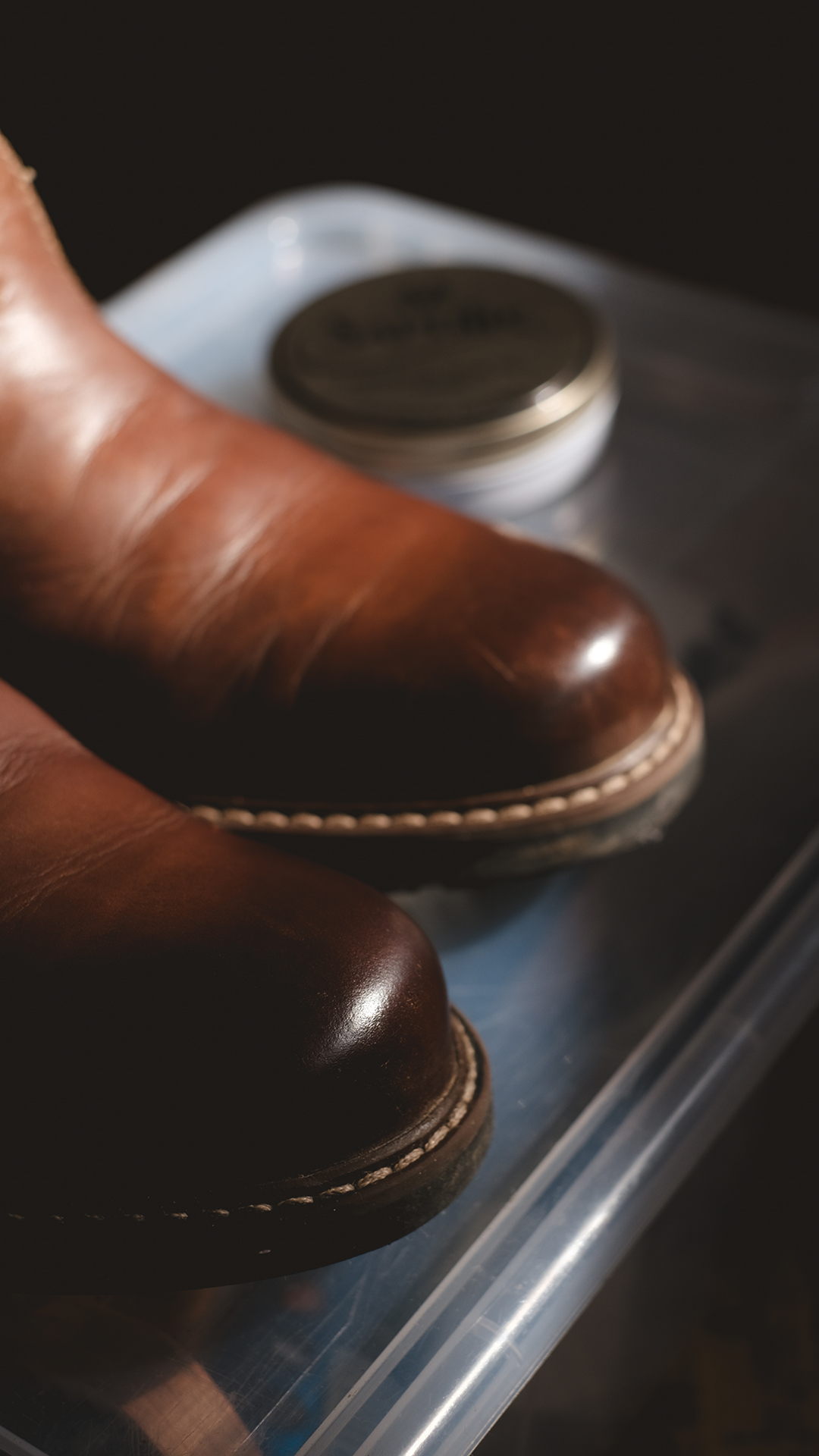 Spring cleaning: cleaning and polishing winter boots for storage, www.Fenne.be